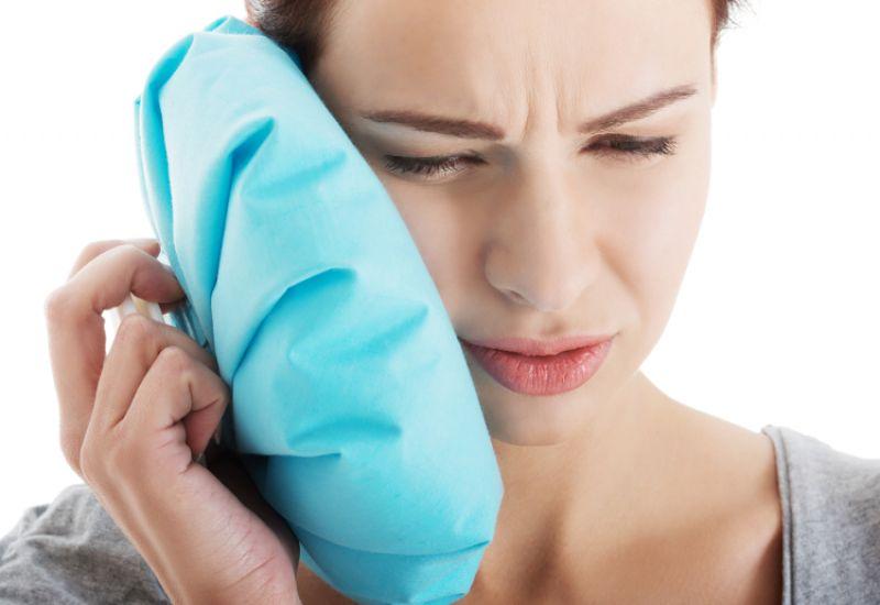 zalecenia po wyrwaniu zęba kobiata