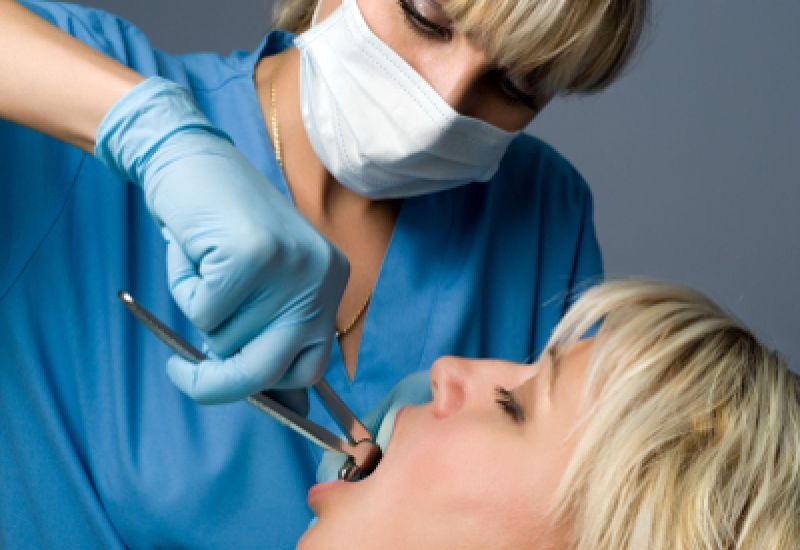 wyrywanie zęba powikłania