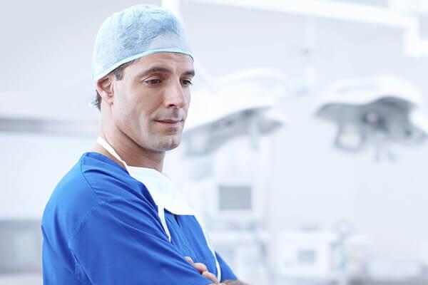 Dentysta przed zabiegiem