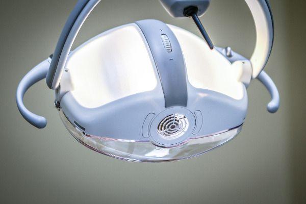 strach przed dentystą - sprzęt dentystyczny